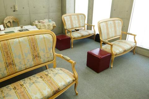 ルネッサンス並木整形外科待合室